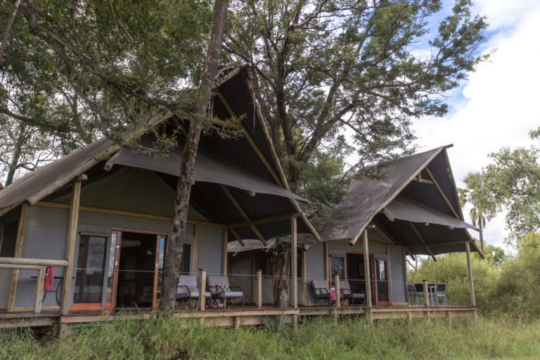 External view of guest tent at Chitabe Lediba