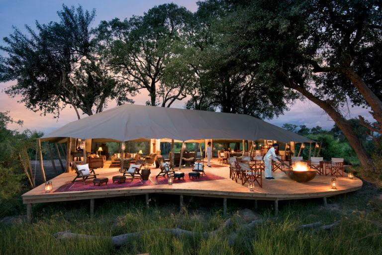 The exquisite main deck at Duba Explorers camp
