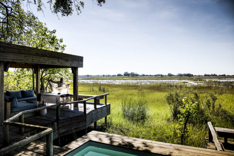 Private decks, plunge pools and salas add an element of luxurious sophistication to the guest stents at Vumbura Plains