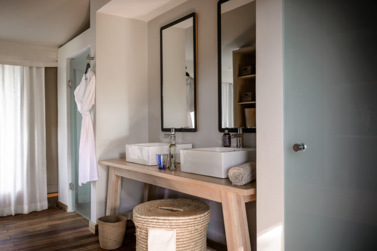 Twin basins in an en suite bathroom at Stanley's Camp