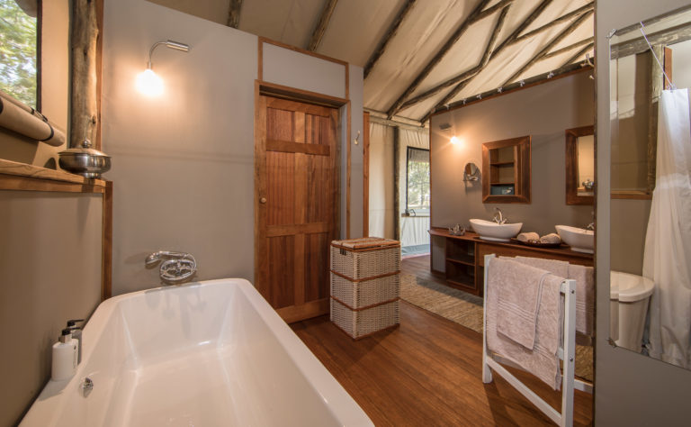 Setari's tents have spacious ensuite bathrooms with freestanding baths and outdoor showers