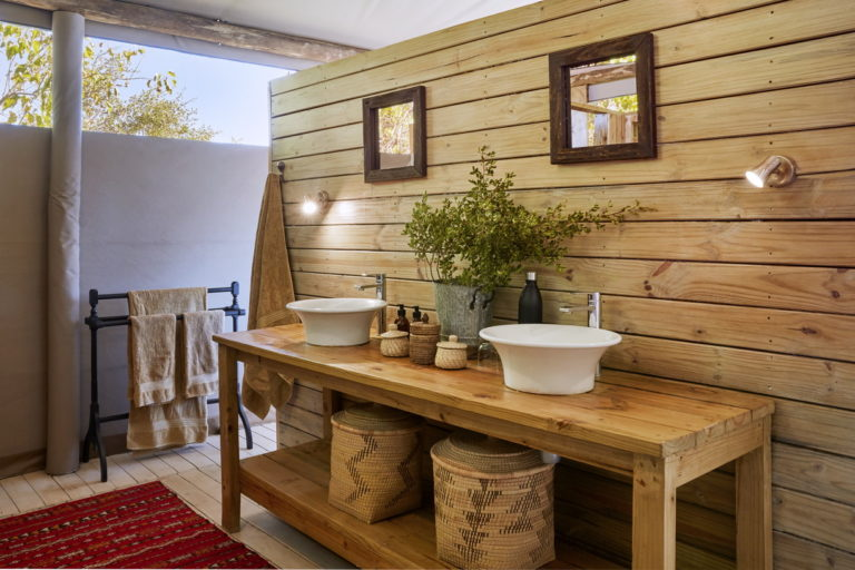 Twin basins and stylish bathroom at the Jackal and Hide