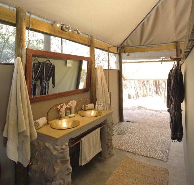 Bathroom decor details at Meno a Kwena