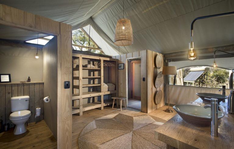 Chic safari bathroom at Sable Alley