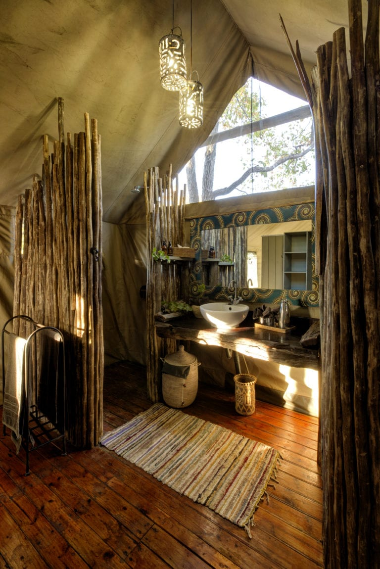 The upgraded guest tents at Hyena Pan all have en suite facilities