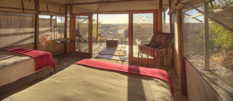 Meno a Kwena Camp twin tent interior layout