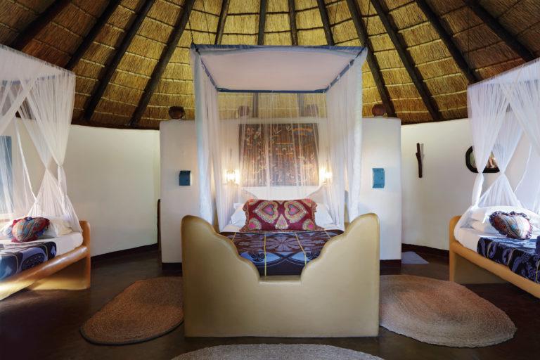 Planet Baobab - Bakalanga Hut family suite