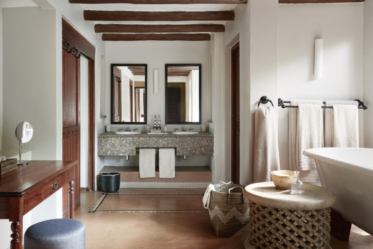 The luxurious en suite bathrooms at Chobe Chilwero offer all amenitie