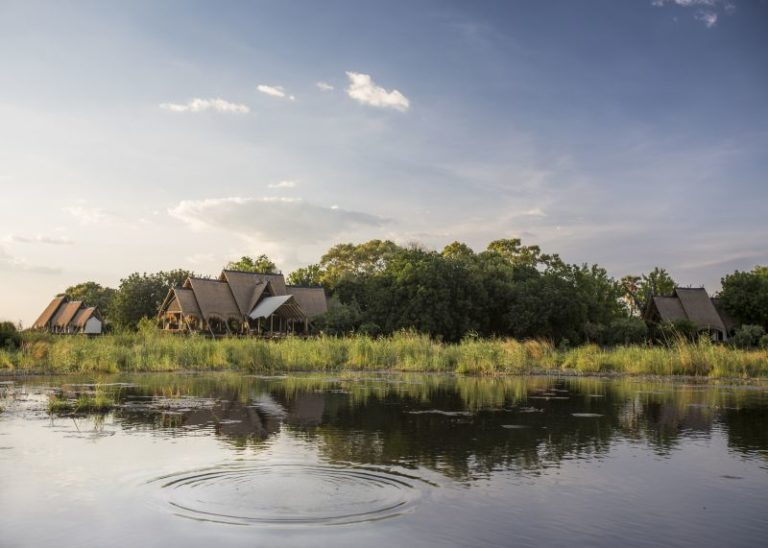 River view of the luxurious Selinda Lodge