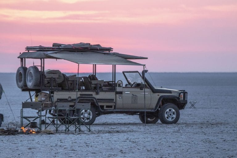 Sunsets on the pans are stunning and the perfect way to start your sleep out with Leroo la Tau