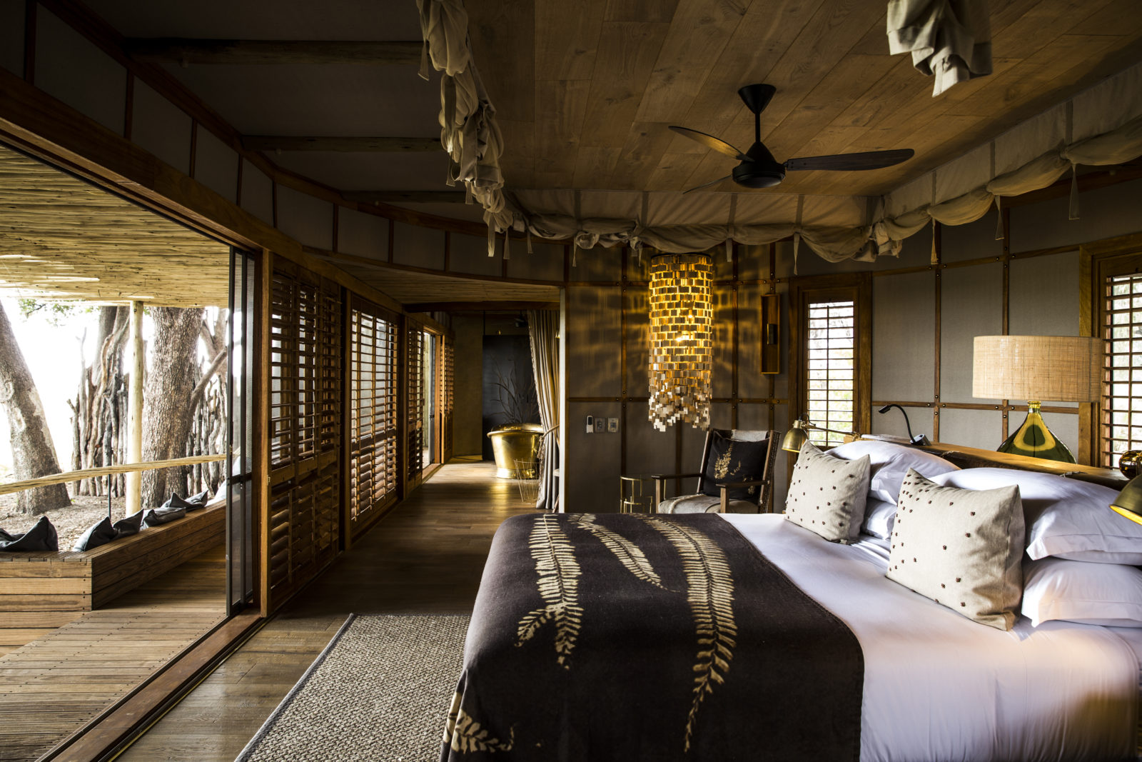 The stylish and tasetful decor at Mombo Camp harmonizes with the natural surroundings