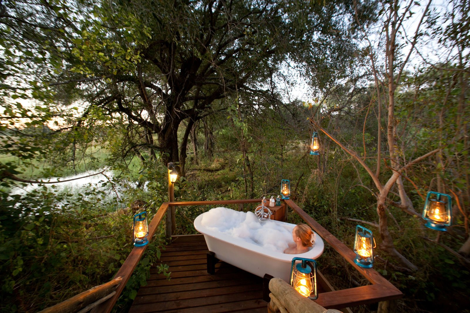 The Honeymoon Suite at Pom Pom Camp features a star bath