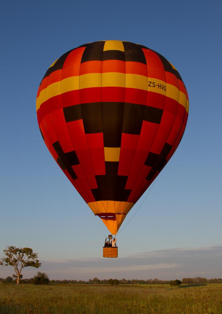 Hot air ballooning at sunrise at Kadizora Camp
