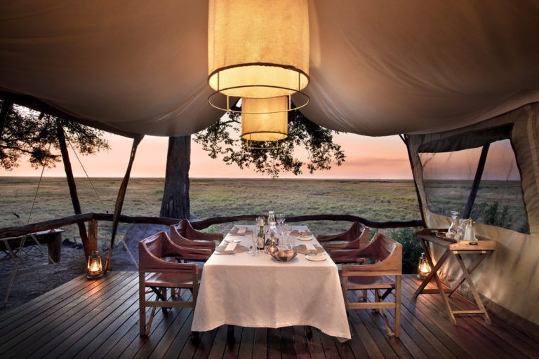 Linyanti Expeditions dinner set up