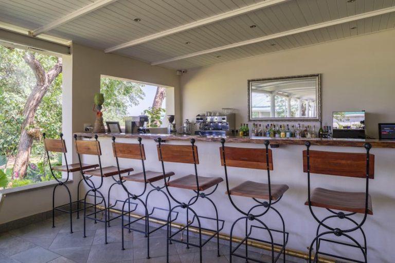 The welcoming bar area at Batonka Lodge