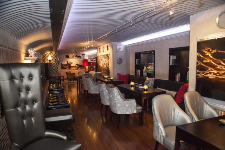 The whiskey and wine bar at Cape Grace