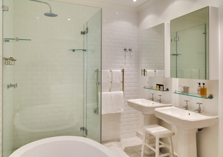 Cape View Clifton junior suite bathroom