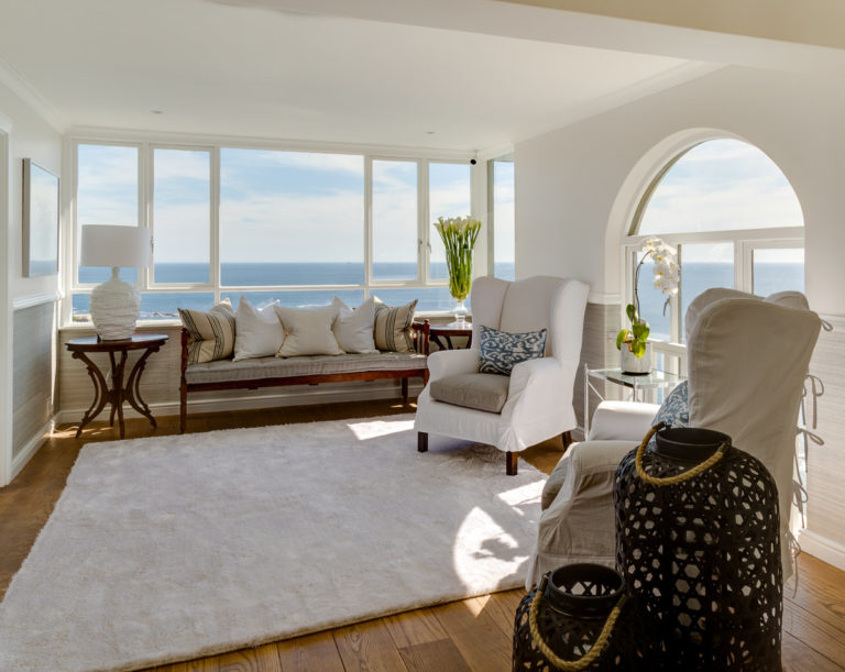 Cape View Clifton stylish in white lounge area