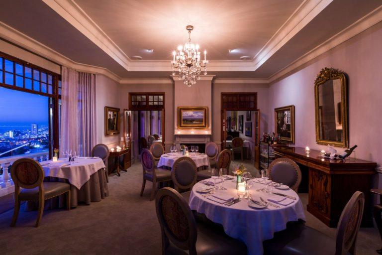 Ellerman House chandelier dinner