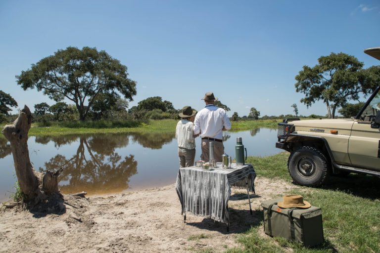 An adventurous bush breakfast experience for guests at Nokonyana