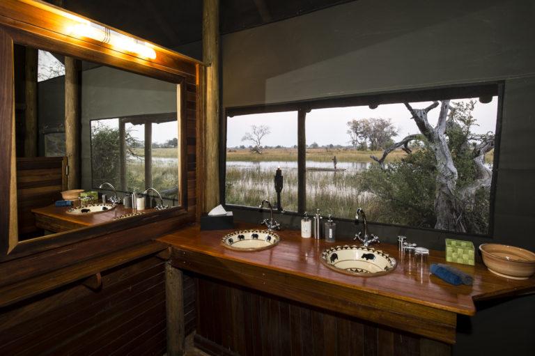 Kujwana Camp bathroom with a view