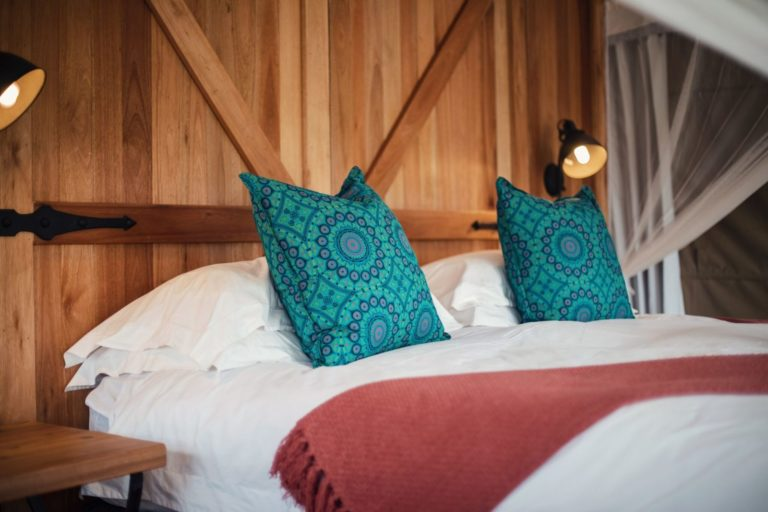 Plush linen welcomes you at the Wallow