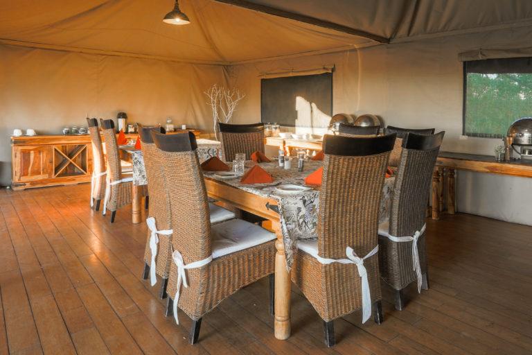 Saguni Safari Lodge and dining area decor