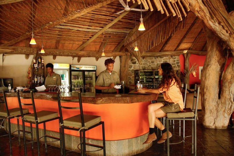 Thamalakane River lodge Bar