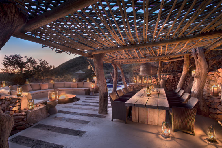 The main outside deck and dining area at Tarkuni Luxury Lodge