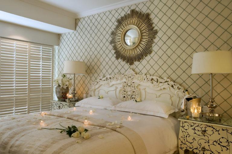 Decor detail in the Twelve Apostles luxury room