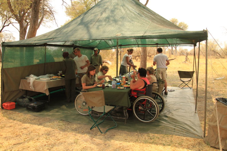 Endeavour guests enjoy lunch together on safari